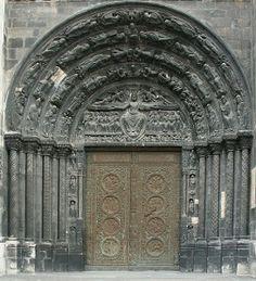 Portada central occidental de Saint-Denis. Tema del Juicio Final.