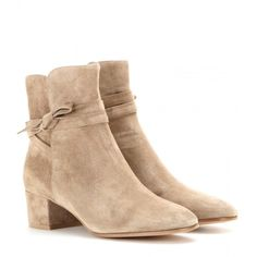 Gianvito Rossi Moore Suede Ankle Boots (22 325 UAH) ❤ liked on Polyvore featuring shoes, boots, ankle booties, ankle boots, beige, suede leather boots, suede bootie, beige ankle boots, short boots and bootie boots