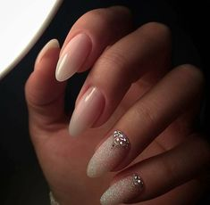 Beautiful neutral nail