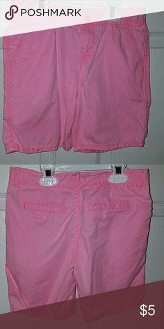OSHKOSH Girls Pink Shorts Oshkosh Girls Pink Shorts. Size 8. Small ink stain on waist band. Oshkosh Bottoms Shorts