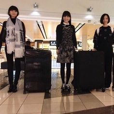 a-chan's favorite photo from 2016  My favorite photo is the one when we bought new suitcases together during the US tour. We all started worrying about fitting all our stuff in our suitcases right after the tour began. We are usually very conservative but we went out on an adventure and bought these huge suitcases on the road. This is a very precious memory from the US tour.  from a-chan  3人でキャリーバッグを買ったときの写真をあげたやつ…