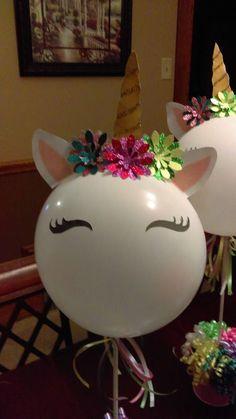 unicorn birthday party centerpiece - My site Unicorn Birthday Decorations, Unicorn Centerpiece, Unicorn Themed Birthday Party, Birthday Party Centerpieces, Unicorn Birthday Parties, Birthday Party Themes, 7th Birthday, Balloon Decorations, Balloons
