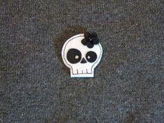 Felt skull brooch