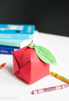 Simple origami apple. Cute back to school craft to give your teacher.