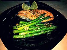 Cele mai bune sfaturi pentru un stil de viata echilibrat: Somon cu sparanghel Asparagus, Grilling, Mai, Vegetables, Design, Studs, Crickets, Vegetable Recipes