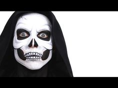 Halloween is just around the corner. Be the the star of the party with our beautiful and spooky halloween face paint suggestions! Halloween Face Paint Scary, Halloween Skull Makeup, Mime Face Paint, Amazing Halloween Makeup, Halloween Looks, Halloween 2018, Scary Face Paint, Halloween Party, Halloween Costumes