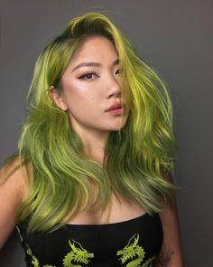 Green Hair Streaks, Pastel Green Hair, Green Hair Girl, Green Hair Dye, Green Hair Colors, Hair Dye Colors, Dye My Hair, Short Green Hair, Bob Hair