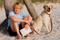 Owen Wilson during filming of Marley and Me with Jennifer Aniston. Movie Trivia - 22 dogs shared the role Owen Wilson, Wilson Movie, Dog Films, Ruby Sparks, Marley And Me, Famous Dogs, Famous People, Sad Movies, Movie Facts