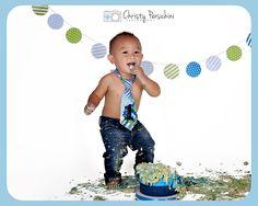 one year cake smash photo session / photography ideas Cake Smash Photos, Photo Sessions, Photography Ideas, Cake Smash Photography