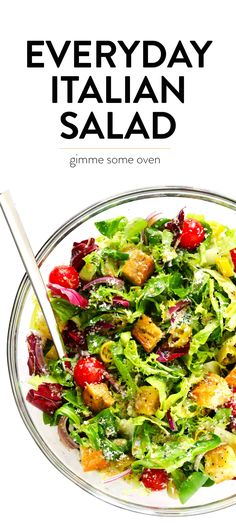 Everyday Italian Salad Einfacher italie… # Daily Everyday Italian Salad Simple Italian salad with fresh vegetables, croutons, pepperoni, red onions, parmesan and a spicy (super simple! Serve it as a side salad or as an appetizer! Italian Salad Recipes, Side Salad Recipes, Salad Recipes For Dinner, Healthy Salad Recipes, Vegetarian Recipes, Healthy Lunches, Simple Italian Recipes, Simple Easy Recipes, Cauliflowers