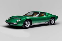 The birth of the Lamborghini Miura marked a seminal moment in the Italian automaker's lineage. Up until then, Lamborghini had only built one production car—the 350 GT—a front-engine grand touring … Classic Sports Cars, Top 10 Sports Cars, Sport Cars, Classic Cars, Race Cars, Lamborghini Miura, Carros Lamborghini, Lamborghini Museum, Green Lamborghini