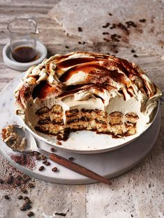 Easy Desserts, Delicious Desserts, Dessert Recipes, Yummy Food, Dinner Party Desserts, Espresso Martini, Tiramisu Recipe, Saveur, I Love Food