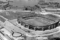 Toen konden er 65000 man in en ook toen zat het kuipie vol Rotterdam, Bury Fc, Bristol City Fc, Kaa Gent, Norwich City Fc, Carrow Road, Hampden Park, Goodison Park, Glasgow Scotland