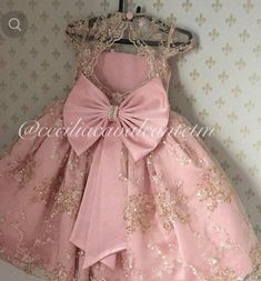 No automatic alt text available. Fashion Kids, Little Girl Fashion, Little Dresses, Little Girl Dresses, Girls Dresses, Flower Girls, Flower Girl Dresses, Toddler Dress, Baby Dress