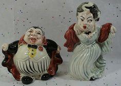 Vintage Fitz & Floyd Dracula Halloween Salt And Pepper Shaker Ceramic S&P Set Dracula Halloween, Salt And Pepper, Ceramics, Vintage, Amp, Salt N Pepper, Ceramica, Pottery, Ceramic Art