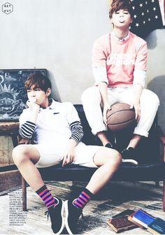 Jeon Jungkook, famous singer for his boy group of 4 members, known as BTS notices model Kim Taehyung when fans tag him in his post. Jimin Jungkook, Bts E Got7, Bts Vmin, Kim Taehyung, Bts Bangtan Boy, Bts Predebut, K Pop, Jung Hoseok, Park Ji Min