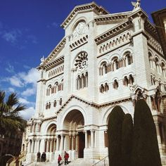 #Rocher #cathedral #monaco #montecarlo #france #gracekelly #today #trip #traveling #ontheroad #poppy #plaza #church #cathedral #land #view #february #Friday #young #yolo #monastery #royal #world #cotedazur #côte #vibes #holo #vscom #xoxo ⛪️☀️ from #Montecarlo #Monaco