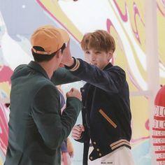 Jungkookun sevdiği yemekleri sayarken Jin hyung demesi.. . . #gay #gayboy #followbackteam #likebackteam #likeback #like4lik #10likes #longhair #haircut #hairstyle #instalikeback #sister #funny #friday #friboy #friends #sweet #instafollow #gayboy #gayhot #gayfitness #gaykiss #liketeam #likeback #like4like #freetoedit #makeup #makeuptutorial #pride #loveislove #relax        Trend Trendy Hair Hairstyles Makeup Beauty
