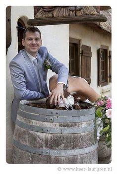 Ook de komische foto's mogen niet ontbreken tijdens een trouwreportage in de Efteling. Marjolein van der Muren-Gulinski (en haar man) hadden het naar hun zin!