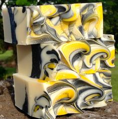 here we bars of soap with serious, masculine, take-no-prisoners essential oil blends.both bars are stuffed full of essential oils with deodorising, anti-fungal and anti-inflammatory properties.either would make a fine shaving soap. Savon Soap, Soap Supplies, Soap Packaging, Cold Process Soap, Soap Recipes, Soap Molds, Diy Skin Care, Home Made Soap, Handmade Soaps