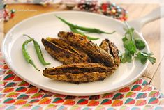 How to make Stuffed Karela, Bitter gourd stuffed with fresh indian spices. Traditional Punjab Style Karela Recipe, Step by Step Stuffed Karela Recipe… Continue reading → Veg Recipes, Indian Food Recipes, Vegetarian Recipes, Cooking Recipes, Ethnic Recipes, Dried Mangoes, Kerala Food, Chaat Masala, Food Fantasy