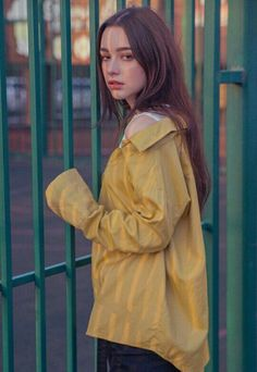h, my God, what else in the world am I supposed to miss? Dasha taran? Oh, yeah, She's the most important person to me ❤❤❤ Cute Poses For Pictures, Beautiful Women Pictures, Beautiful Girl Image, Ulzzang Girl Selca, Plain Girl, Filipina Girls, Profile Picture For Girls, Cute Girl Face, Blackpink Fashion