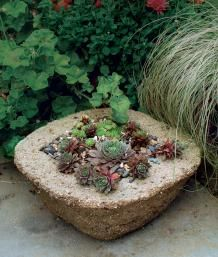 ❤ =^..^= ❤ Make Your Own Hypertufa Container Hypertufa looks like stone but weighs less and takes whatever shape you want