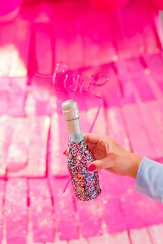 Because WINE not cover a champagne bottle in glitter? used Beacon Felt Glue for this fun DIY! Glitter Champagne Bottles, Felt Glue, Fun Diy, Diy Crafts, Wine, Cover, Ideas, Fun Crafts To Do, Do It Yourself
