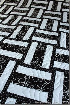 Pedal to the Metal in Black and White    Try making this beginner's quilt using black and white, with fun patterns too. Its a great quilt project to do.