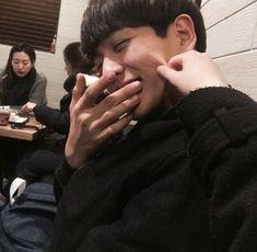 Stuff Ulzzang - Pin to Pin Boys Korean, Korean Couple, Couple Ulzzang, Ulzzang Boy, Couple Goals Cuddling, Couple Aesthetic, Photo Couple, Cute Couples Goals, Gay Couple