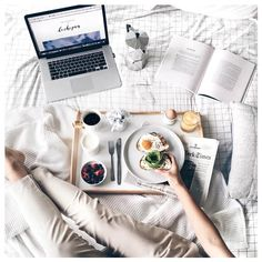 Ideas Breakfast In Bed Flatlay Good Morning Breakfast And Brunch, Lazy Sunday, Sunday Morning, Lazy Days, Morning Coffee, Coffee Today, Morning Food, Coffee Time, Tea Time