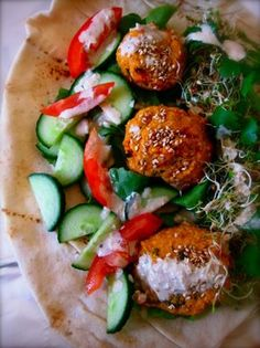Sweet potato falafel, baked not fried. Temporarily feeding the hunger for Israeli falafel. Whole Food Recipes, Cooking Recipes, Flour Recipes, Cooking Tips, Vegetarian Recipes, Healthy Recipes, Food Porn, Yummy Food, Tasty