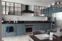 piekna nowoczesna kuchnia kolory plytek sciennych styl industrialny nowojorski Interior Decorating, Interior Design, New York Style, Modern Classic, Interior Inspiration, Interior Ideas, The Hamptons, Kitchen Cabinets, Furniture