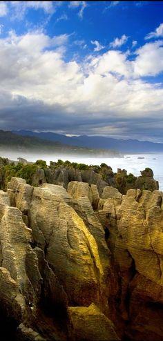 Pancake Rocks at Dolomite Point, Punakaiki, Paparoa NP, South Island, NZ