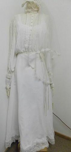 Vintage 1970s Era White Bridal Wedding Dress Lace Long Train , Veil  & Slip