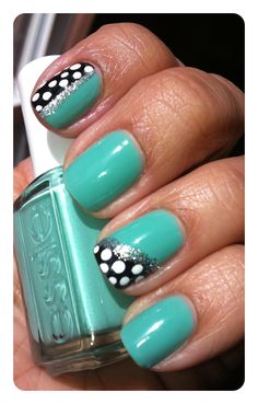 "Spicey'z Nails: Essie~ ""Turquoise & Caicos""    [Inspired by Blanket Print Nails]"