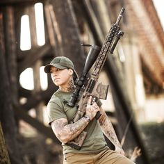 """Army officer turned anti poaching enforcer Kinessa Johnson steps in. Recently she joined the ranks of Veterans Empowered to Protect African Wildlife (""""VETPAW"""") as an. Army Veteran, Military Police, Endangered Animals In Africa, Endangered Species, Camouflage, Women's Camo, Hunting Camo, Pink Camo, Survival"""