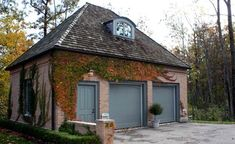 Awe-Inspiring Carriage House decorating ideas for Glamorous Garage And Shed Traditional design ideas with brick house carriage house container plants dormer windows garage garage doors hedge Garage Door Colors, Garage Door Design, Garage Doors, Car Garage, Hip Roof Design, Shed Design, House Design, Flat Design, Detached Garage Designs