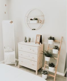 Here we try to show some designs about home interiors that can inspire you Cute Bedroom Decor, Room Ideas Bedroom, Home Bedroom, Diy Room Decor, Living Room Decor, Home Decor, Bedrooms, Casa Clean, Pretty Room
