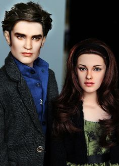 Playing Barbies would have been A LOT more fun if I would have had an Edward and bella doll. LOL