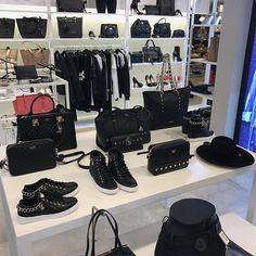 Nieuwe  Guess  tassen  sneakers  kleding en  accessoires bij  HermanSchoenen    4c0578a010