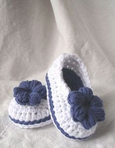Домашний хлеб на кефире | Мама | Booties Crochet, Crochet Baby Shoes, Crochet Baby Clothes, Crochet Slippers, Love Crochet, Crochet For Kids, Knit Crochet, Baby Booties, Ravelry Crochet
