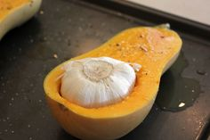 Roasted Garlic & Butternut Soup - this recipe is simple and delicious. The garlic flavour roasts right into the butternut. After blending, the soup is velvety and smooth. Fall Recipes, Soup Recipes, Cooking Recipes, Healthy Recipes, Paleo Ideas, Garlic Recipes, Diabetic Recipes, Vegetarian Recipes, Garlic Soup