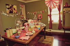 great decor for the vintage carnival theme!