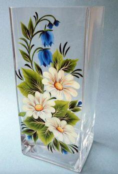 Painted Glass Vases, Painted Wine Bottles, Decorated Bottles, Glass Bottle Crafts, Wine Bottle Art, Glass Painting Designs, Hand Painted Wine Glasses, Bottle Painting, Glass Art