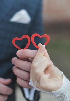 Love Heart Images, Cute Love Images, Love Couple Images, Cute Love Couple, I Love Heart, Valentines Day Weddings, Be My Valentine, Love Wallpapers Romantic, Couple Hands