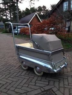 Pram Stroller, Baby Strollers, Vintage Pram, Prams And Pushchairs, Baby Buggy, Baby Prams, Automotive Decor, Baby Supplies, Baby Carriage