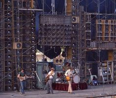 The Grateful Dead - Wall of sound PA system 1974 Grateful Dead Image, Phil Lesh And Friends, Jerry Garcia Band, Wall Of Sound, Dead And Company, Vanz, The Jam Band, Forever Grateful, Ideas