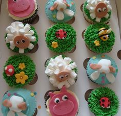 Marshmallow sheep and other fun farm animal cupcakes