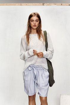 Paper bag waist shorts an sweater
